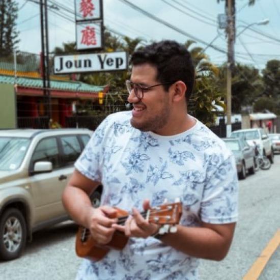 Blogger Kevin Mart - Soy estudiante de producción musical.