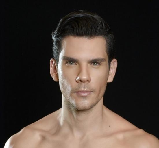 Blogger Moisés  Araiza - Actor y cantante.