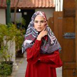 Fitri  Aulia (kivitz) - Depok - perancang fesyen muslim dan pemilik kivitz