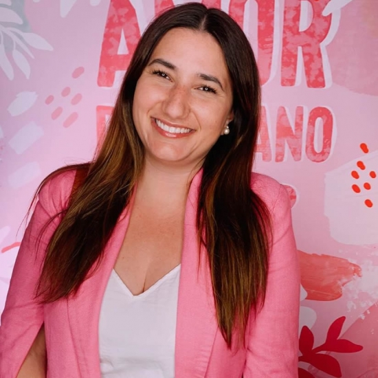 Showmb: Influencer Platform -   Florencia Vila - Sociologist and marketing analyst.