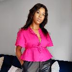 Blogger     Nomvuyiseko Tsakhopa - Makeup Artist.