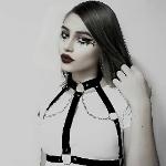 Blogger Shaden  Nicol - Estudiante vendedora de ropa.