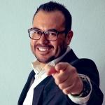 Blogger     José Luis  Benavides - TV Host, abogado, locutor e influencer.