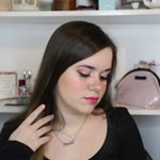 Blogger     Anna Egea - YouTuber