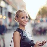 Showmb: Influencer Platform -        Janni Delér - Swedish fashion blogger