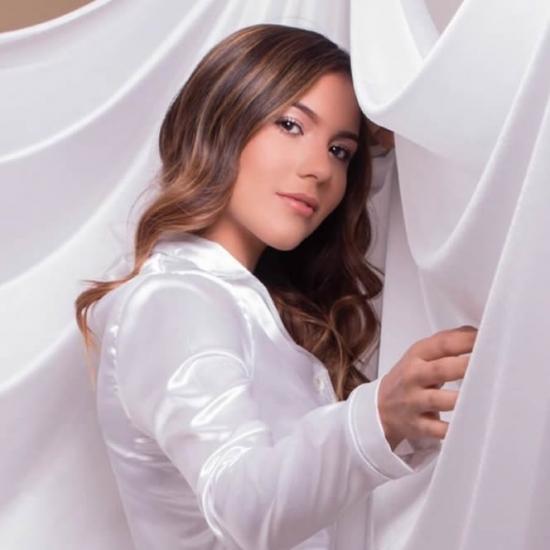 Blogger  Alondra Lara - Estudiante de actuación.