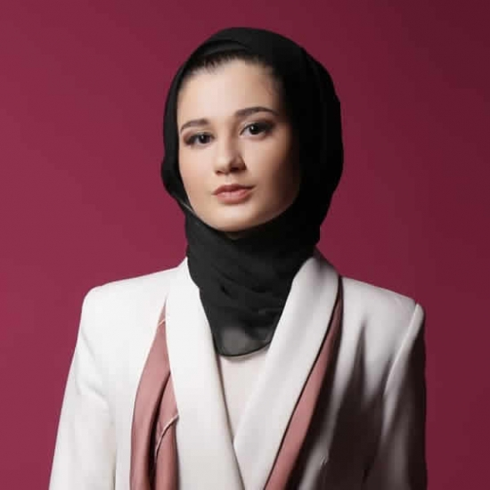 Блоггер    Esma  Sarı - Design and fashion.