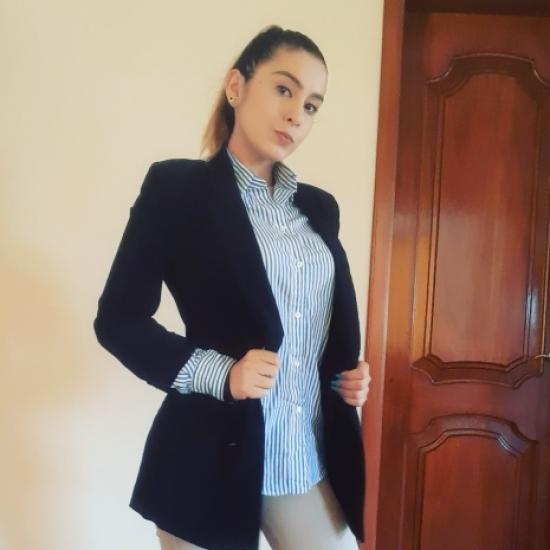 Blogger      Yalena  Sierra  - Modelo, animadora, voz para publicidad.