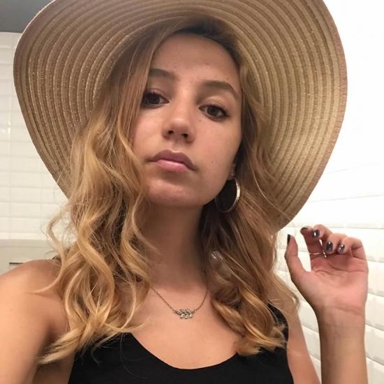 Blogger Malena Marchese  - Viajera y modelo.