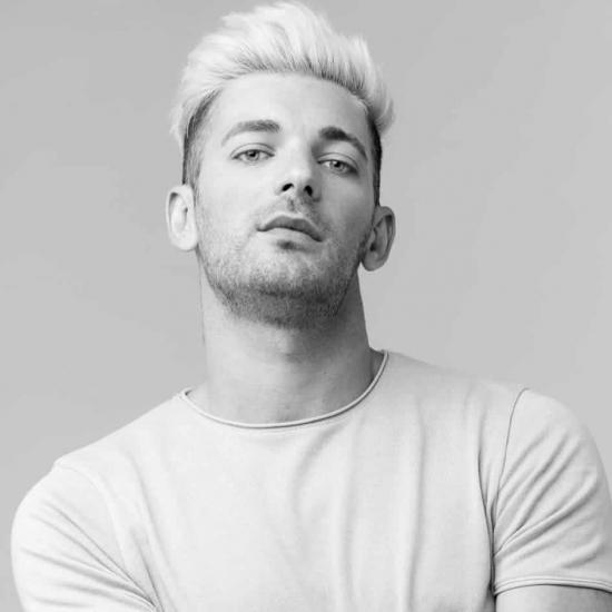 Blogger Daniel Corcobado - Actor y bailarín.
