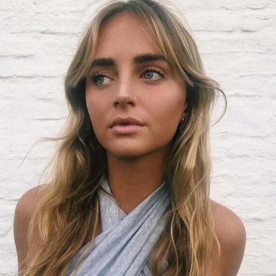 บล็อกเกอร์   Pili Blanco - Emprendedora y modelo.