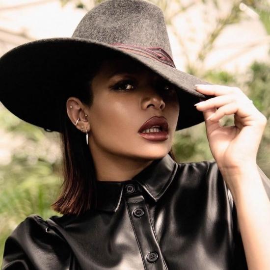 Blogger   Tatiane Dos Santos - Modelo.