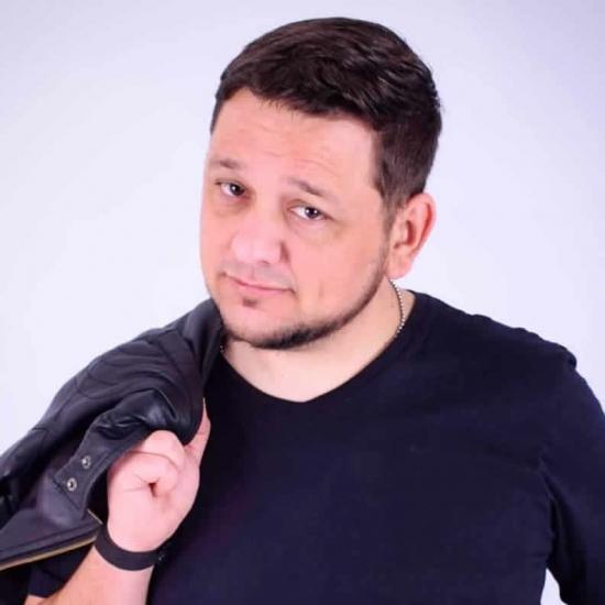 Blogger  Germán  Bernárdez  - Comedian, musician, writer, dad.