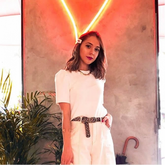 Bloger  Isabela Cruz - Fashion and lifestyle blogger.