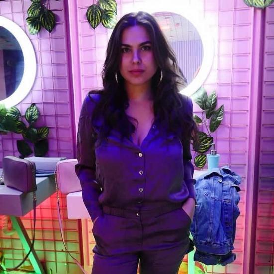 Blogger Maria Camila Senior - Actriz.