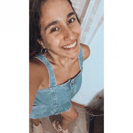 Blogger Ana Clara De Marco Alvez - Estudiante.