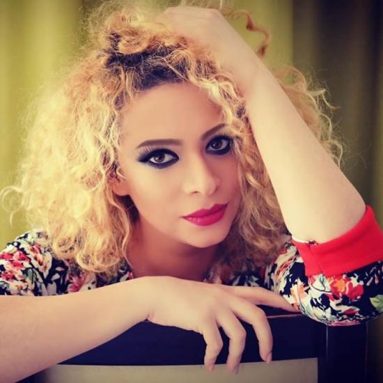 Blogger    Nicoleta Rozolea - Stil de viata.