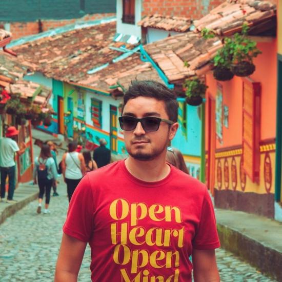Blogger  Ricardo Morales - Digital creator.