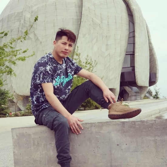 Bloger   Cristian Denis Quispe - Musician.
