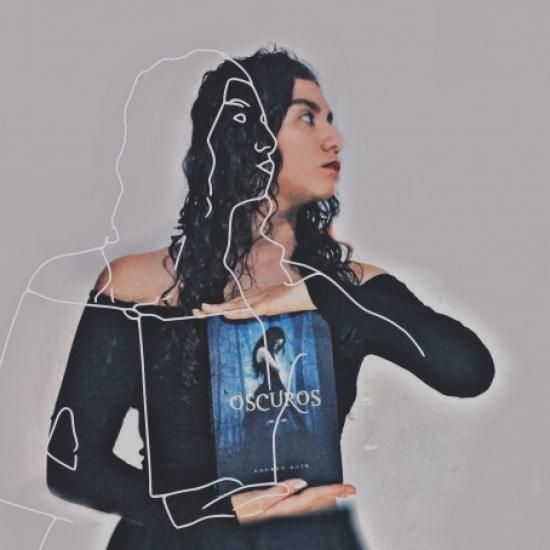 Blogger    Frida Sofía  Mendoza  - Bookstagrammer