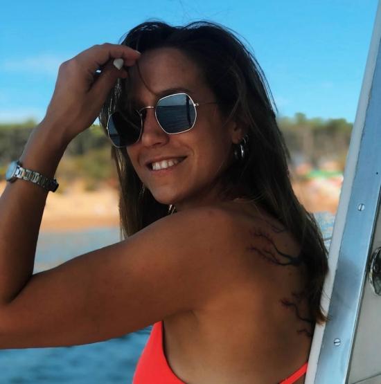 Alejandra   Rojas (Aleee_rojas)