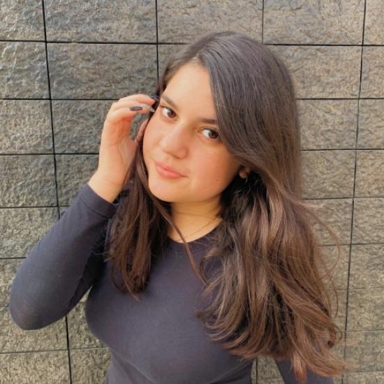 Blogger     Rafaela Riboty - Conductora de Tv y actriz.