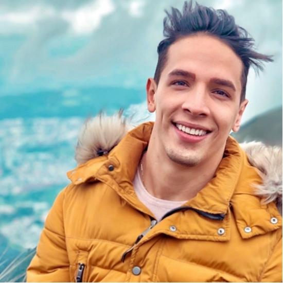 Blogger   Isaac Molinares - Marketing Manager.