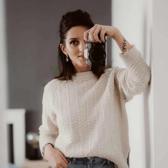 Blogger      Adelina Negoescu - Creator de continut.