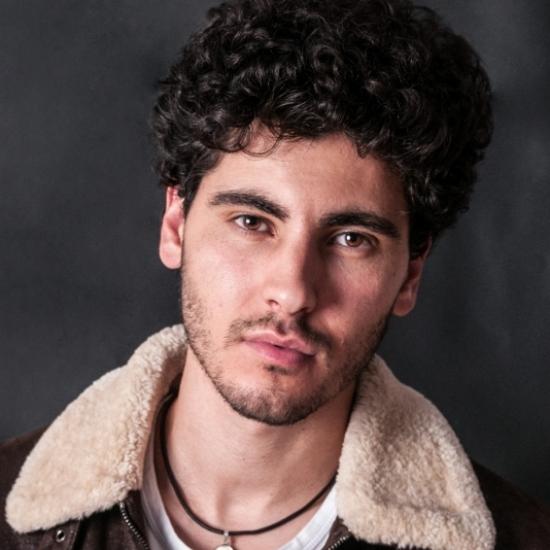 Blogger     Sergio Colón - Actor y periodista.