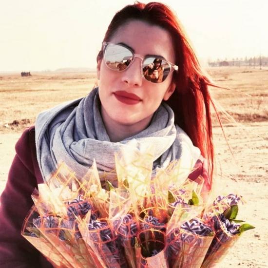 Blogger    Cosmina Pascu - Creator de conținut.