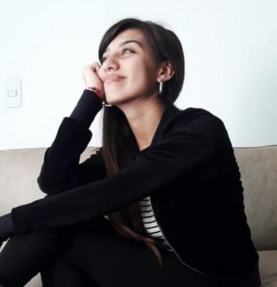 Blogger Camila  López  - Estudiante universitaria y de inglés.