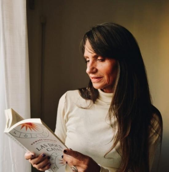 Blogger Cora Negroni - Astróloga.