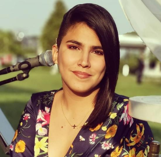 Blogger     Cielo Bernate - Cantante.